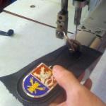 Kapsovy-odznak-Klopak-Vojenske_zpravodajstvi-07-a-siti-klopy-odznaku