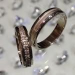 Výroba - Snubní prsteny - Prstýnek s diamanty dokola