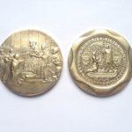 Výroba pamětní medaile k založení Karlovy univerzity - KAREL IV - video