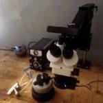 Mikroskop TRINOKULAR a pneumatické rytí