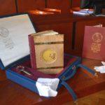 kniha-MUZI-28-RIJNA-zaklad-kufr